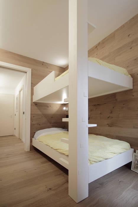 Progetti Dormitorios de estilo moderno de luigi bello architetto Moderno