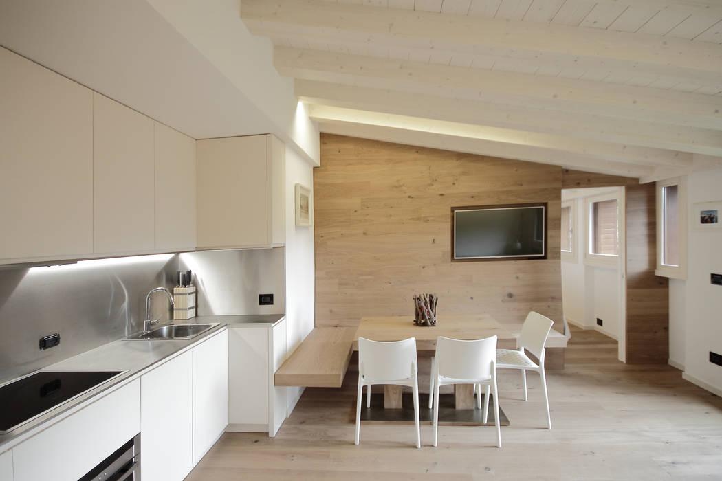 Progetti Comedores de estilo moderno de luigi bello architetto Moderno