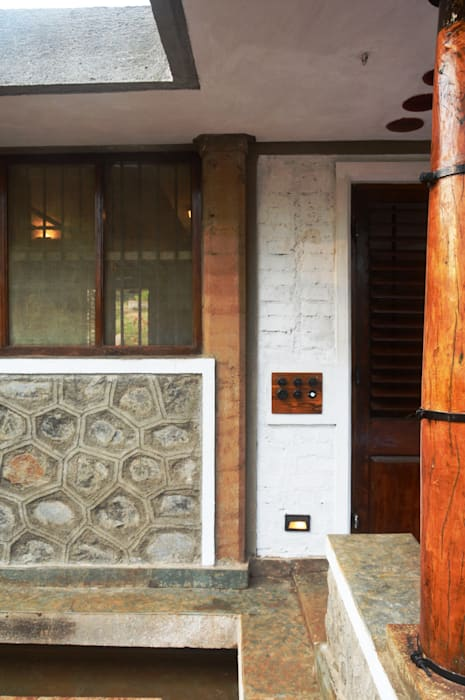 Bhatia Farm Residence Modern windows & doors by The Vrindavan Project Modern