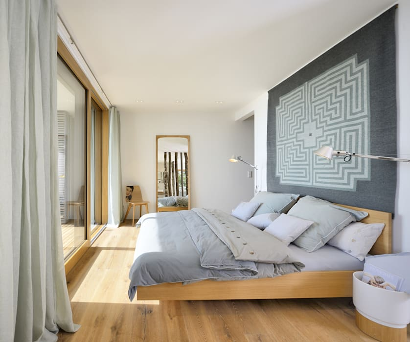 Bedroom by Bau-Fritz GmbH & Co. KG, Modern
