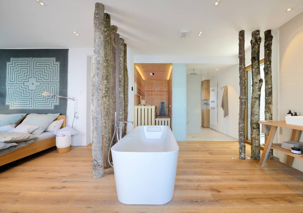 Salle de bains de style  par Bau-Fritz GmbH & Co. KG