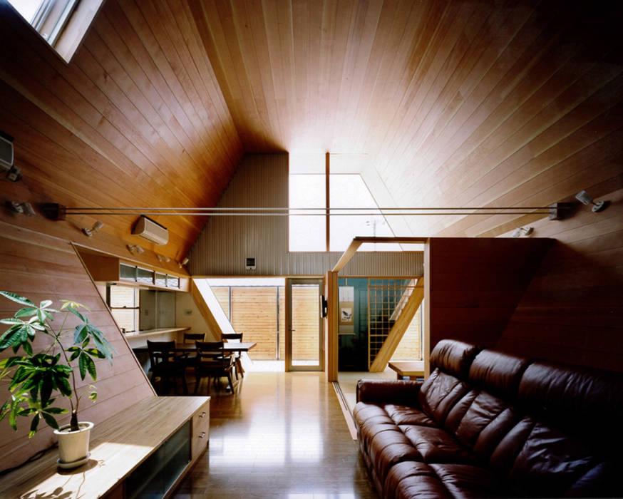 六角形のリビング: 河原泰建築研究室が手掛けた折衷的なです。,オリジナル