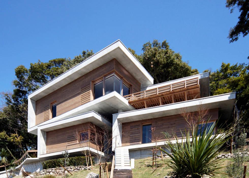 Casas estilo moderno: ideas, arquitectura e imágenes de 大井立夫設計工房 Moderno