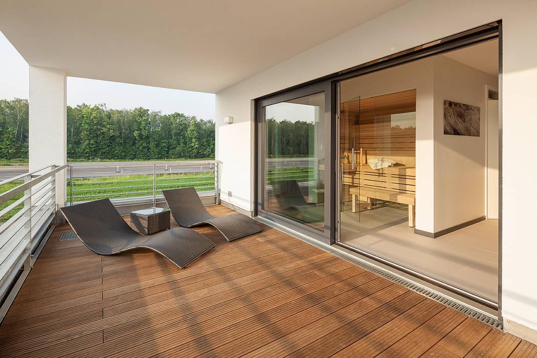 Balcones y terrazas de estilo moderno de Lopez-Fotodesign Moderno