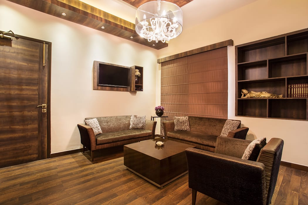 CHADDA PAPERS MD ROOM OFFICE, NOIDA:  Office buildings by Total Interiors Solutions Pvt. ltd.