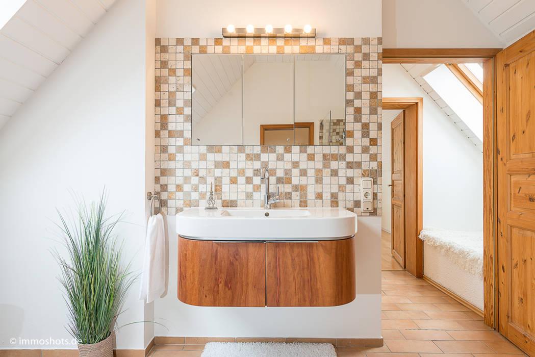 single-haus in köln im mediterranen stil : badezimmer von ...