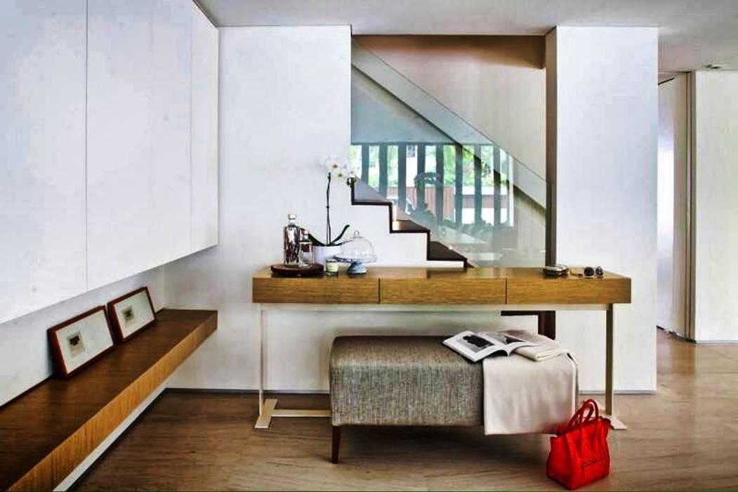 ESPACEA 現代風玄關、走廊與階梯