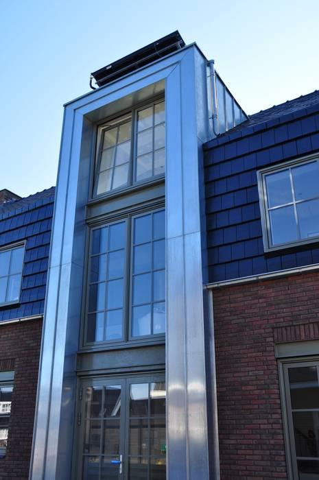 Pakhuiswoning Langedijk:  Huizen door Nico Dekker Ontwerp & Bouwkunde, Industrieel