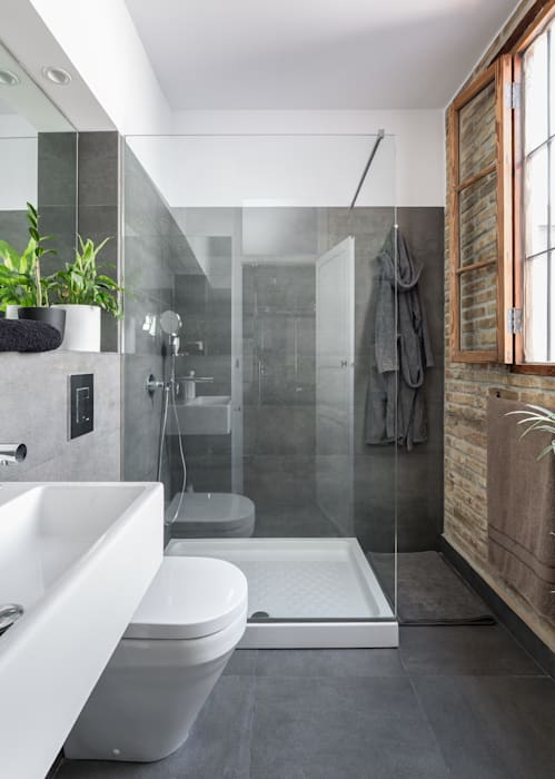 amBau Gestion y Proyectos Modern style bathrooms