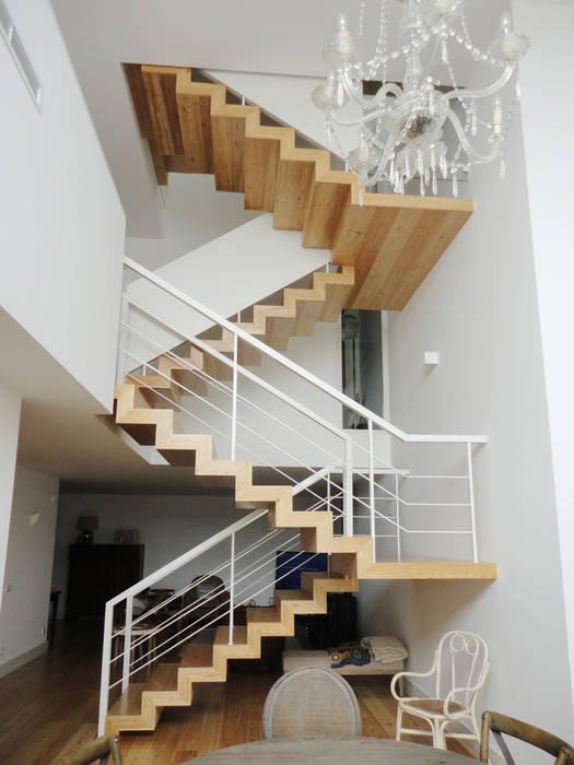 Pasillos, vestíbulos y escaleras de estilo ecléctico de GAAPE - ARQUITECTURA, PLANEAMENTO E ENGENHARIA, LDA Ecléctico