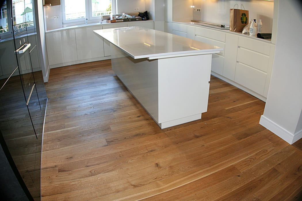 Parkiet - Dąb szczotkowany, olejowany. Realizacja podłogi drewnianej w Zielonej Górze. od PHU Bortnowski