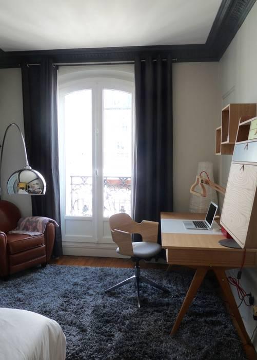 Ambiance cocoon et studieuse: Chambre de style de style Moderne par Thomas JENNY