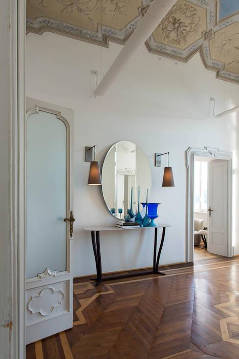 Corridor & hallway by Alberta Pacific Furniture