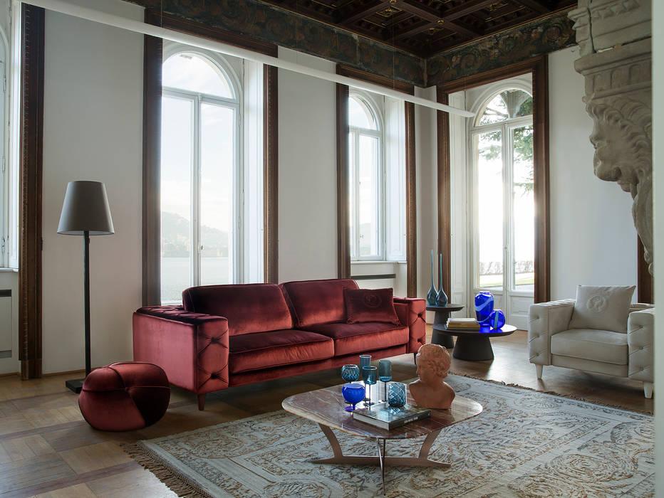 Soggiorno 1 - b: Soggiorno in stile in stile Classico di Alberta Pacific Furniture