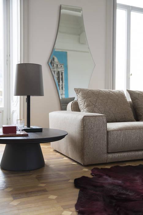 Soggiorno 3 -  b: Soggiorno in stile in stile Classico di Alberta Pacific Furniture