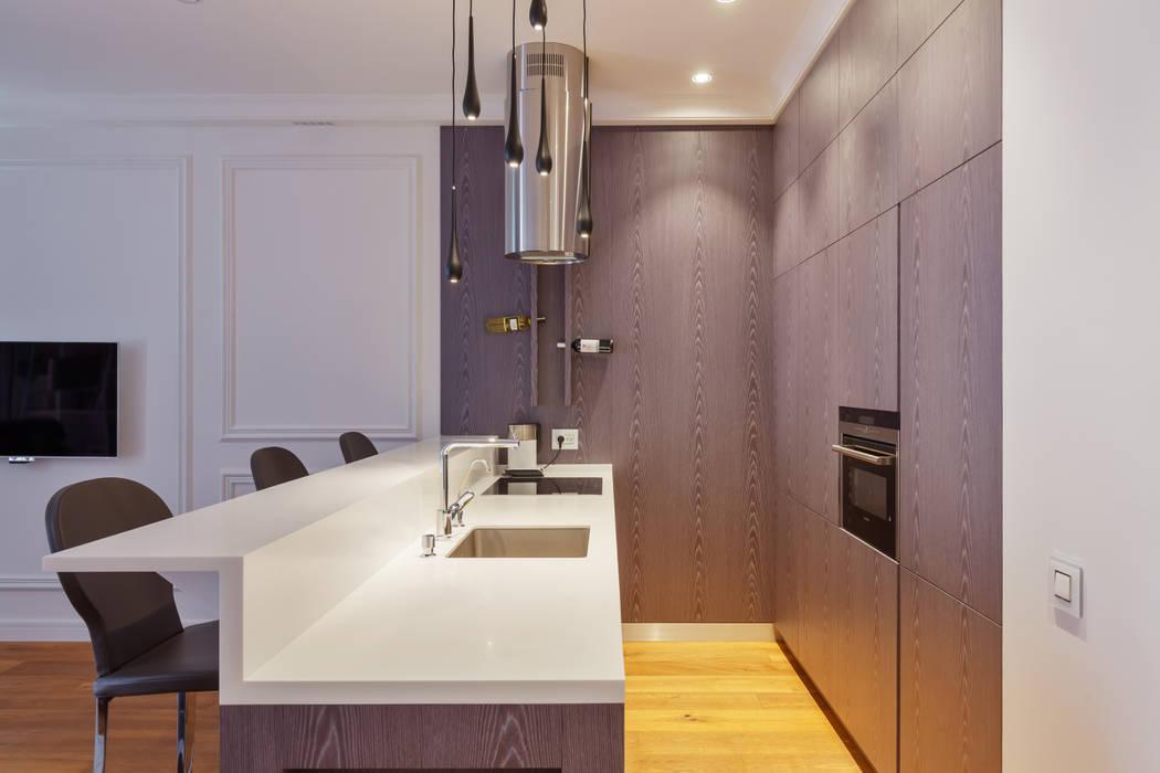 Cucina in stile in stile Minimalista di U-Style design studio