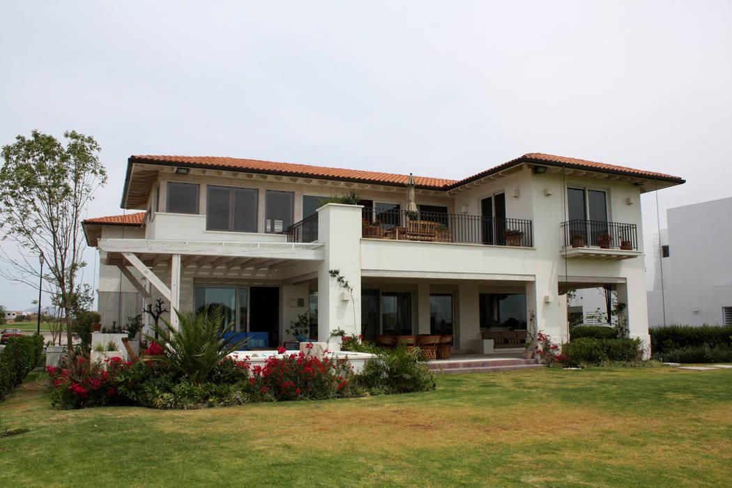 Casa El Campanario- Boué Arquitectos : Casas de estilo  por Boué Arquitectos