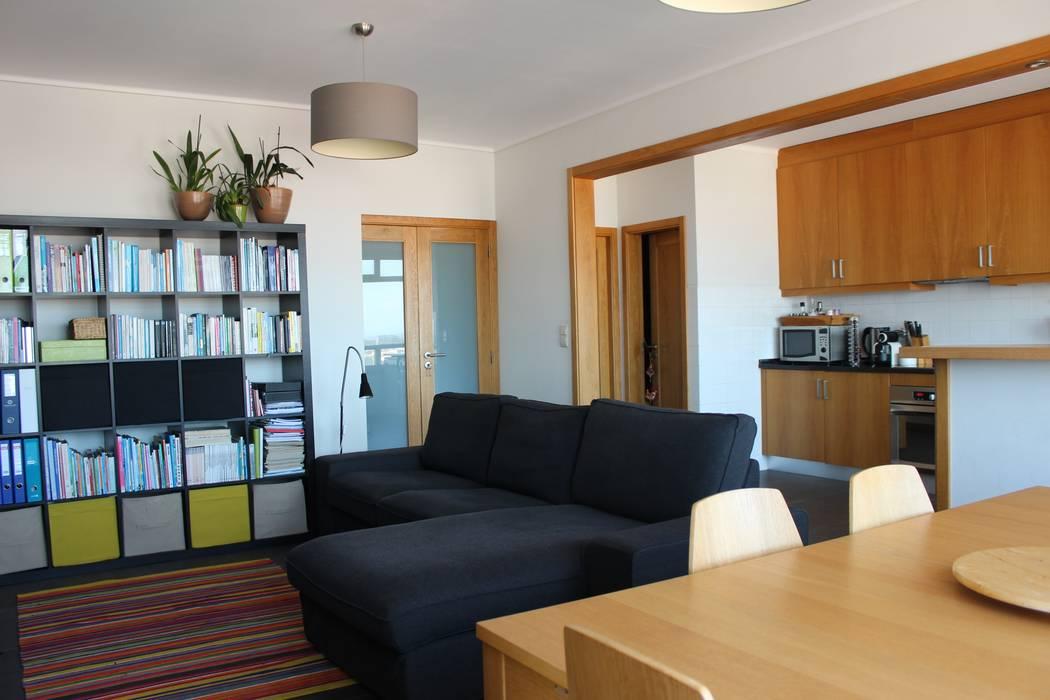 Sala de estar e jantar: Salas de estar  por Casa do Páteo
