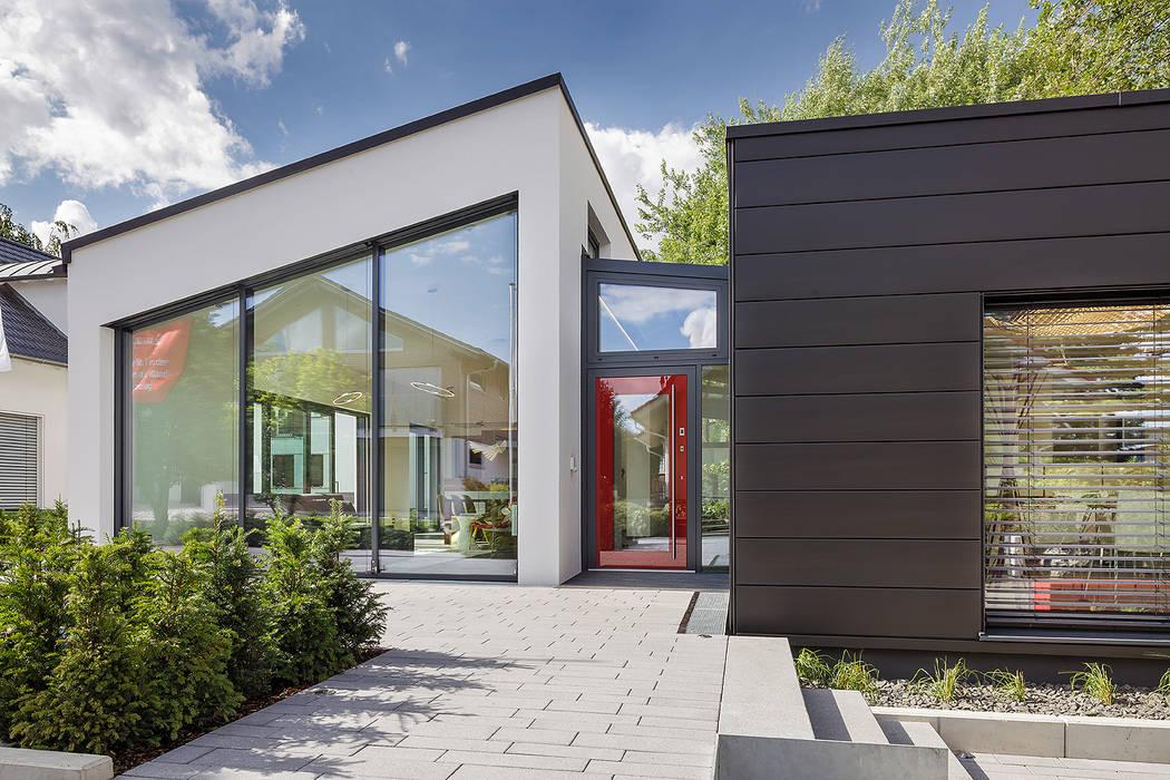 Modern Houses by Lopez-Fotodesign Modern