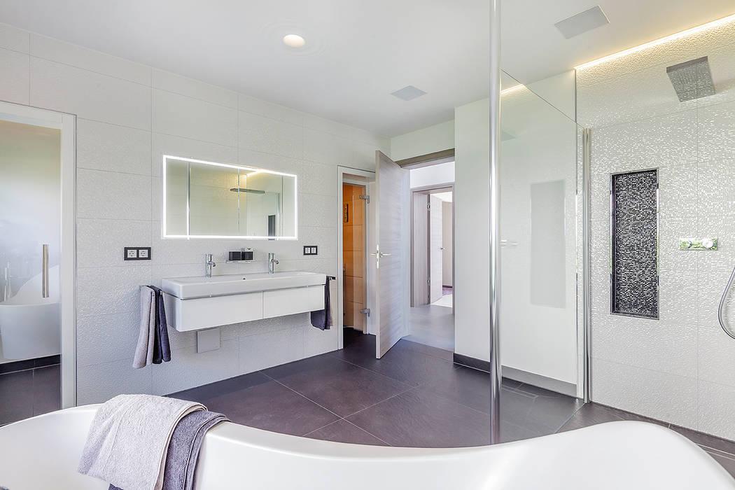 Baños de estilo  de Lopez-Fotodesign, Moderno