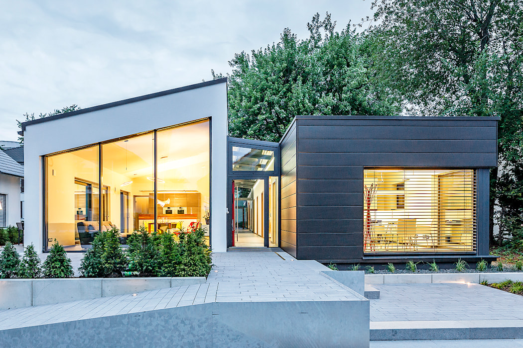 LUXHAUS Musterhaus Stuttgart:  Häuser von Lopez-Fotodesign
