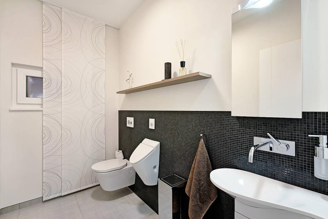 Luxhaus musterhaus nürnberg: badezimmer von lopez-fotodesign | homify
