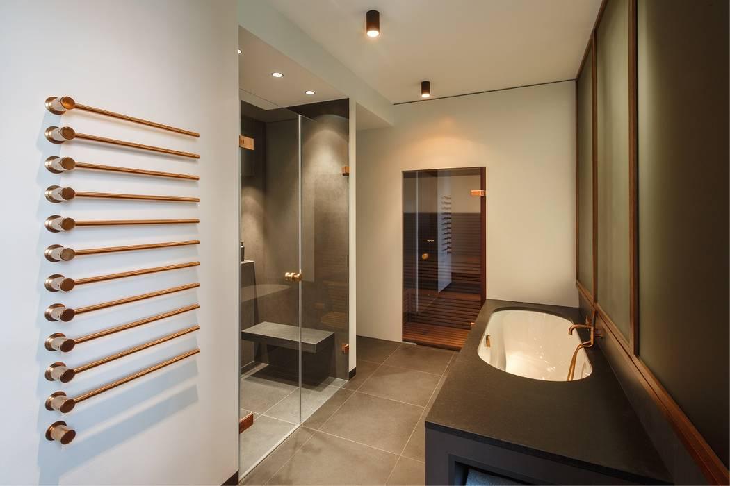 Masterbad modern moderne badezimmer von kjubik ...