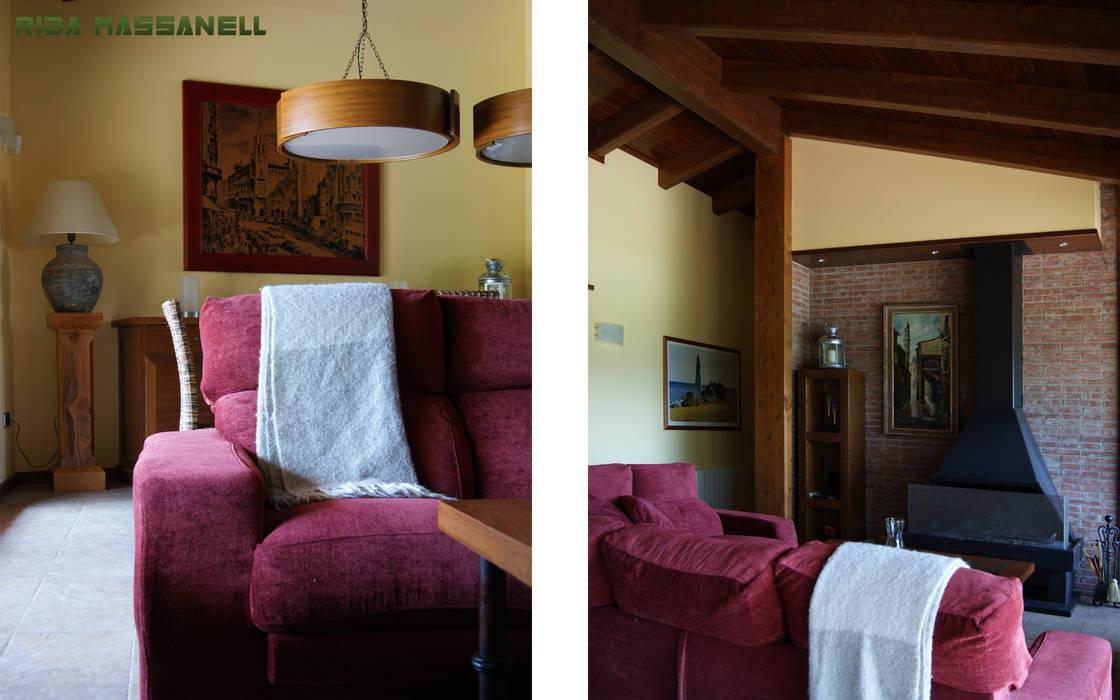 RIBA MASSANELL S.L. Living room