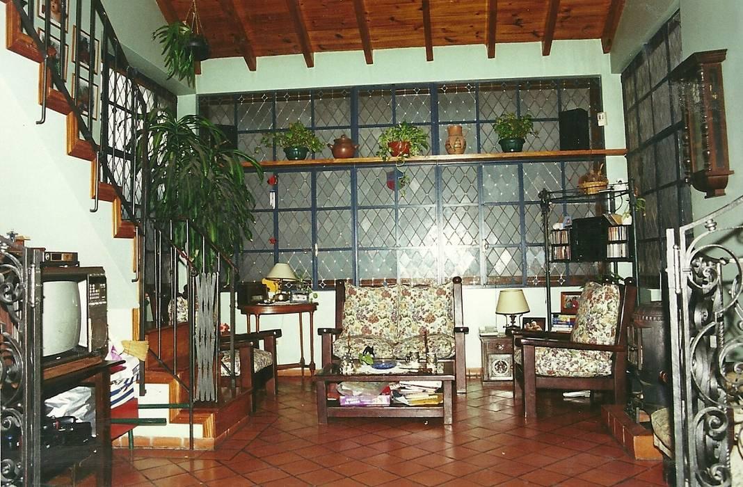 Reciclajes Livings modernos: Ideas, imágenes y decoración de Arquitecto Oscar Alvarez Moderno