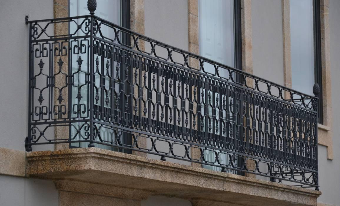 Puertas y ventanas de estilo ecléctico de homify Ecléctico Hierro/Acero