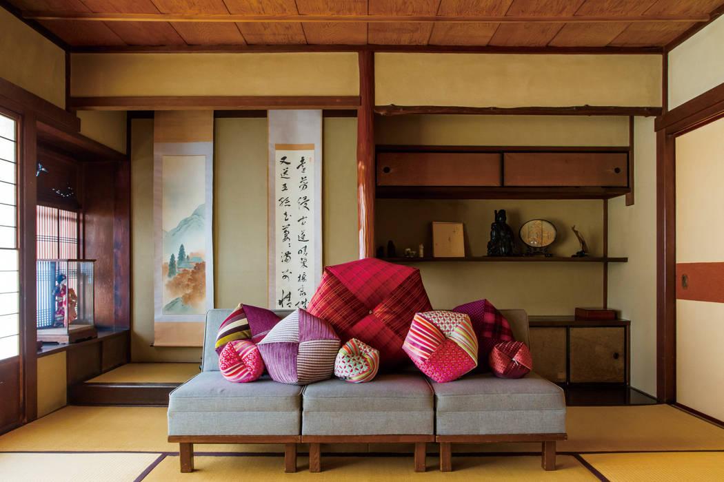 株式会社高岡 Living roomAccessories & decoration Textile Red