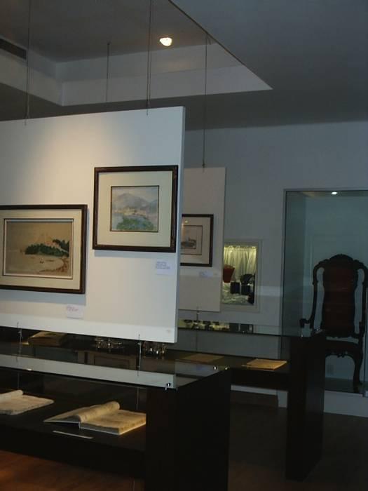 Paineis Móveis para exposição de quadros Museus modernos por mr maria regina de mello vianna arquitetura e interiores Moderno