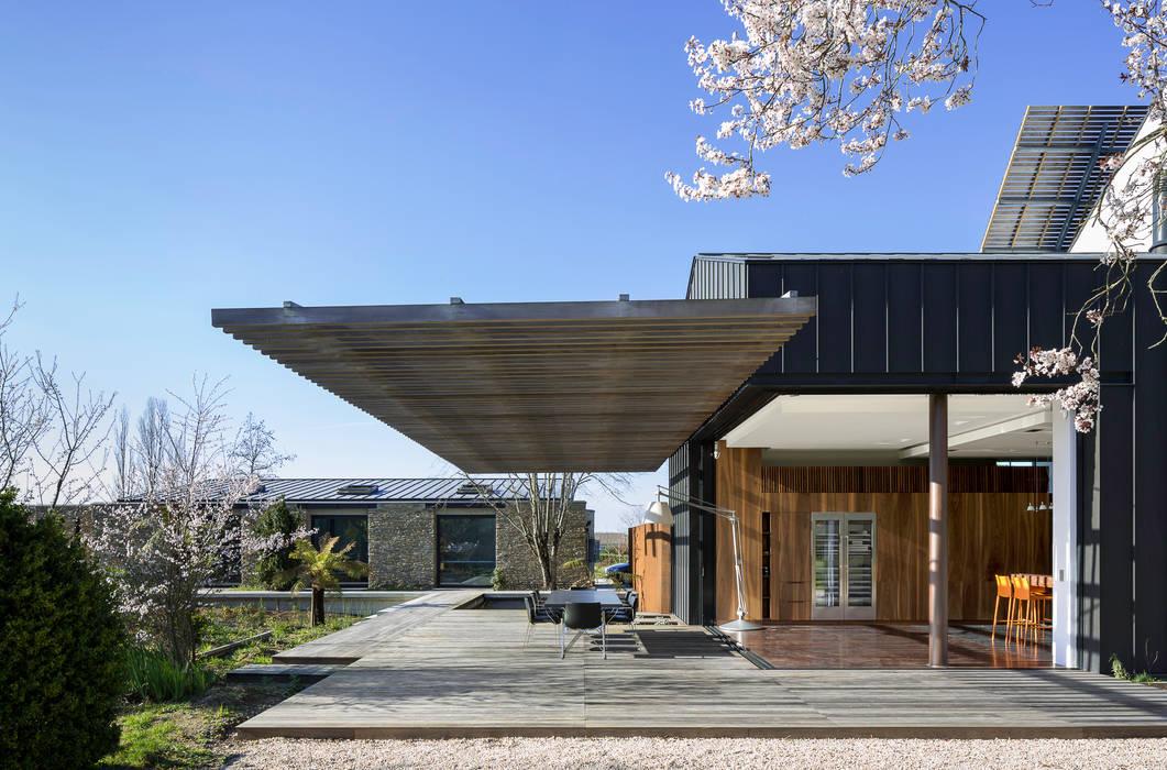 INTERIEUR/EXTERIEUR Balcon, Veranda & Terrasse modernes par yann péron architecte Moderne