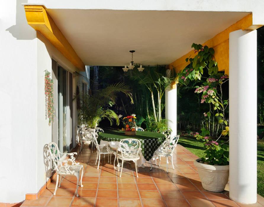 terraza Balcones y terrazas coloniales de Excelencia en Diseño Colonial Hierro/Acero