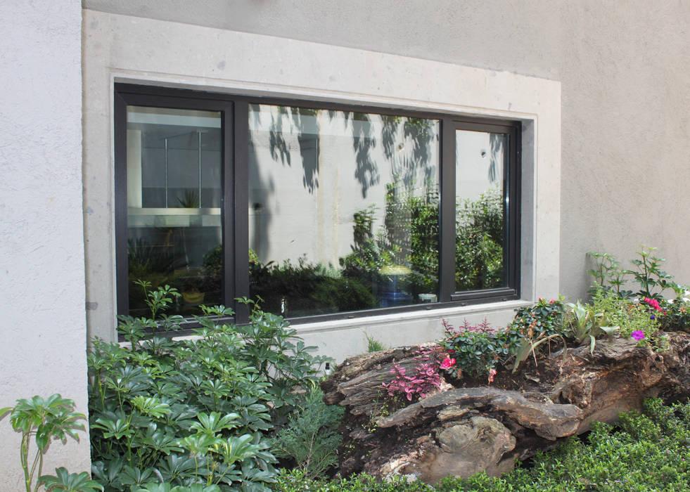 Fachada posterior Casas modernas de Windlock - soluciones sustentables Moderno