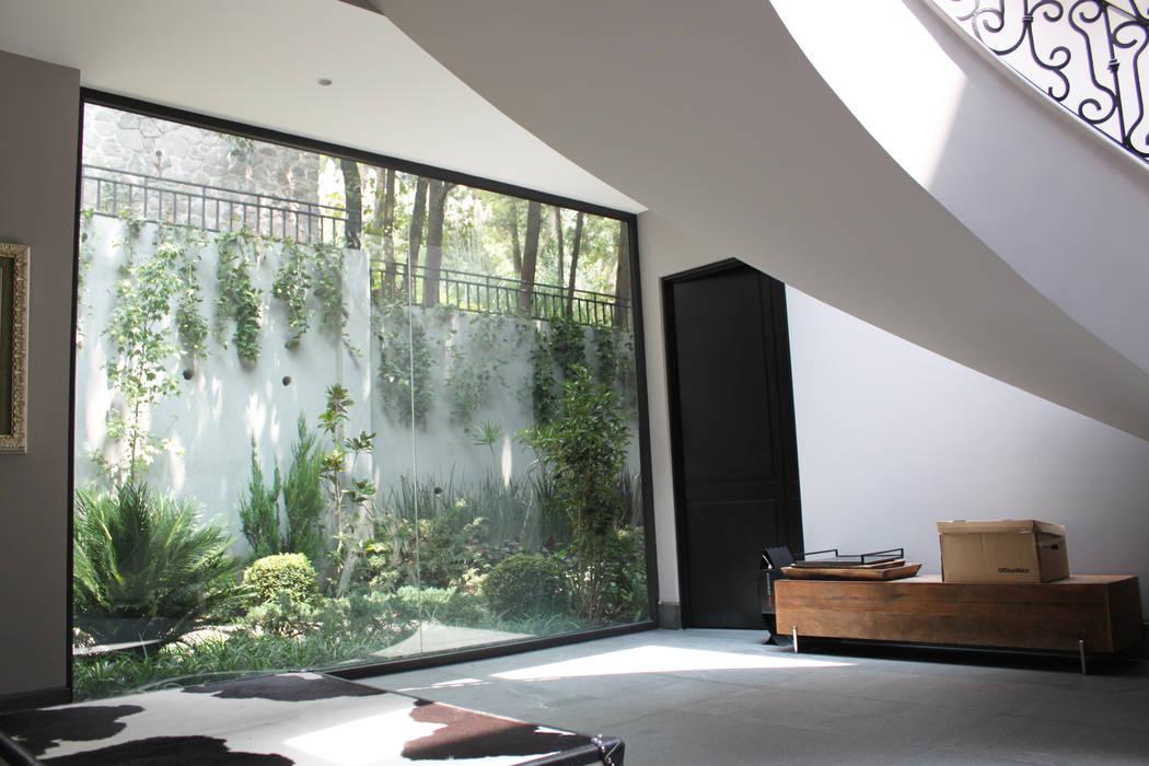 Entrada Pasillos, vestíbulos y escaleras modernos de Windlock - soluciones sustentables Moderno
