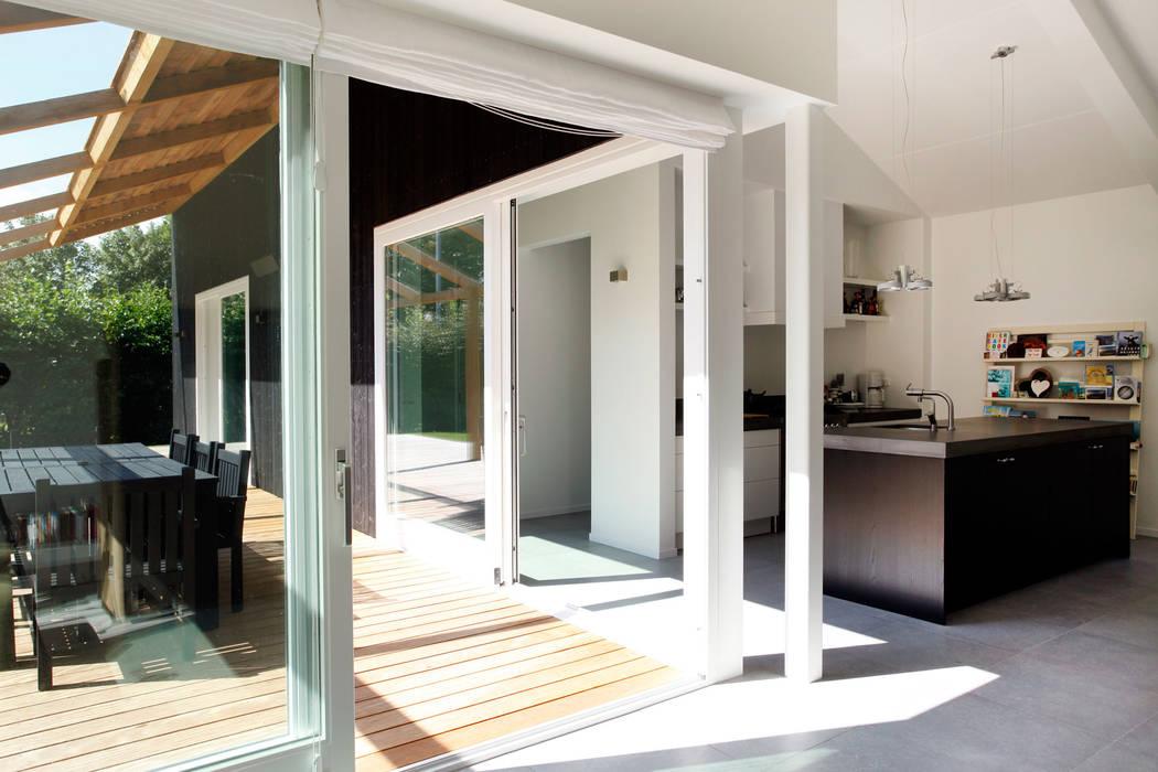Vakantiewoning Cornelisse, Schiermonnikoog De Zwarte Hond Scandinavische balkons, veranda's en terrassen Hout