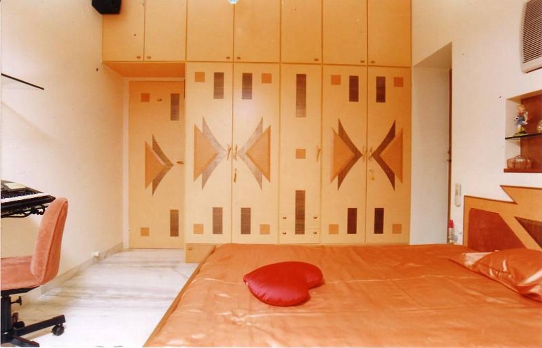 Schlafzimmer von NAMAN INTERIORS - Turnkey Interior Contractors