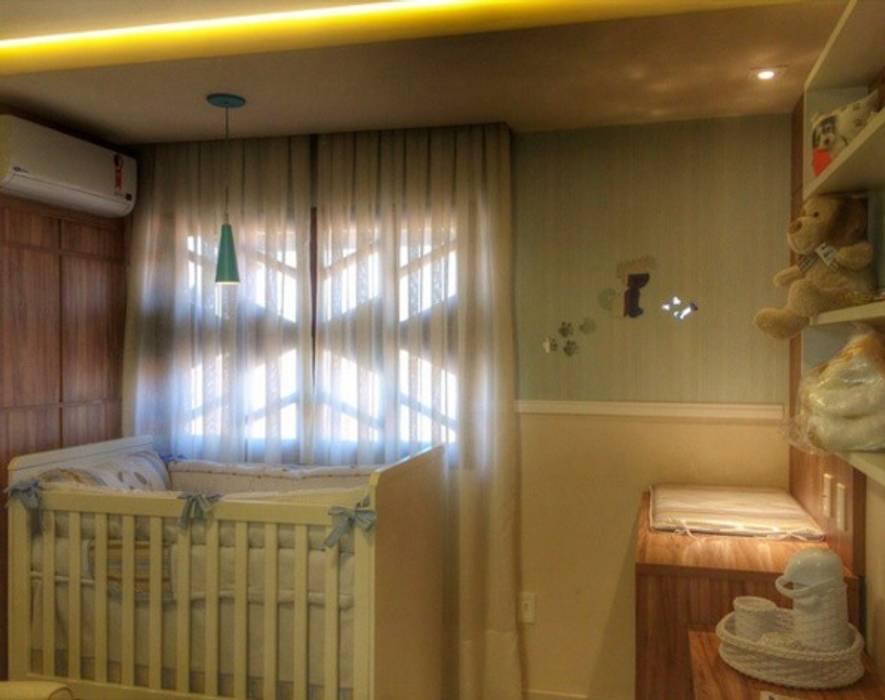 комнаты для новорожденных в . Автор – Duecad - Arquitetura e Interiores, Рустикальный