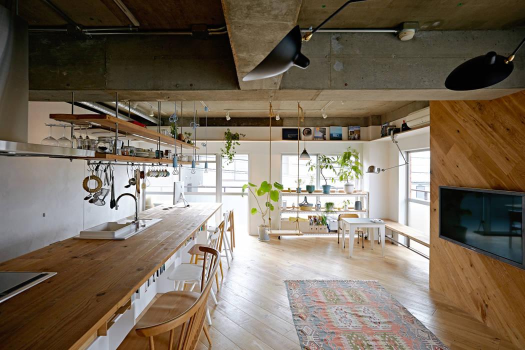 .8 / TENHACHI Cocinas de estilo industrial