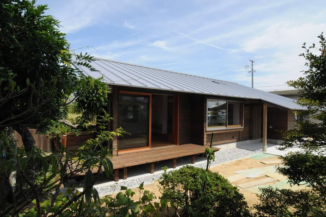 加藤武志建築設計室 Rumah Gaya Eklektik Kayu