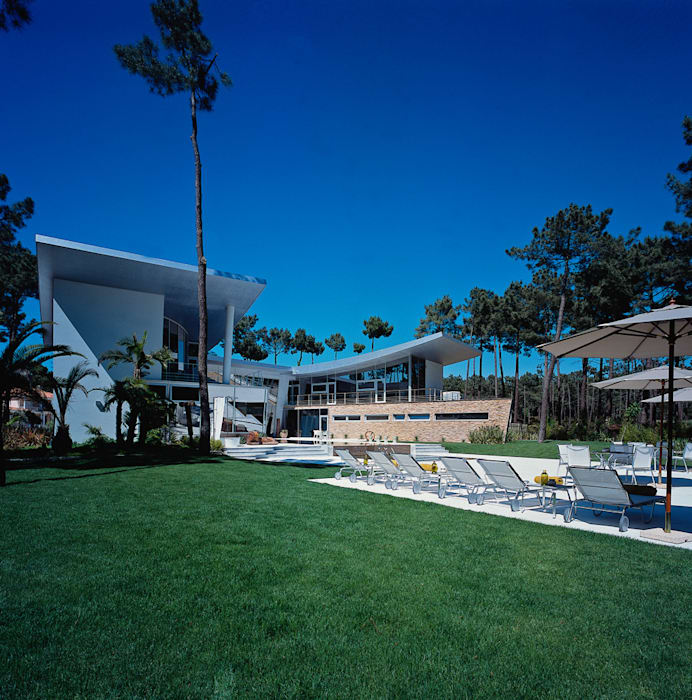 by EAO - PORTUGAL ARQUITECTURA