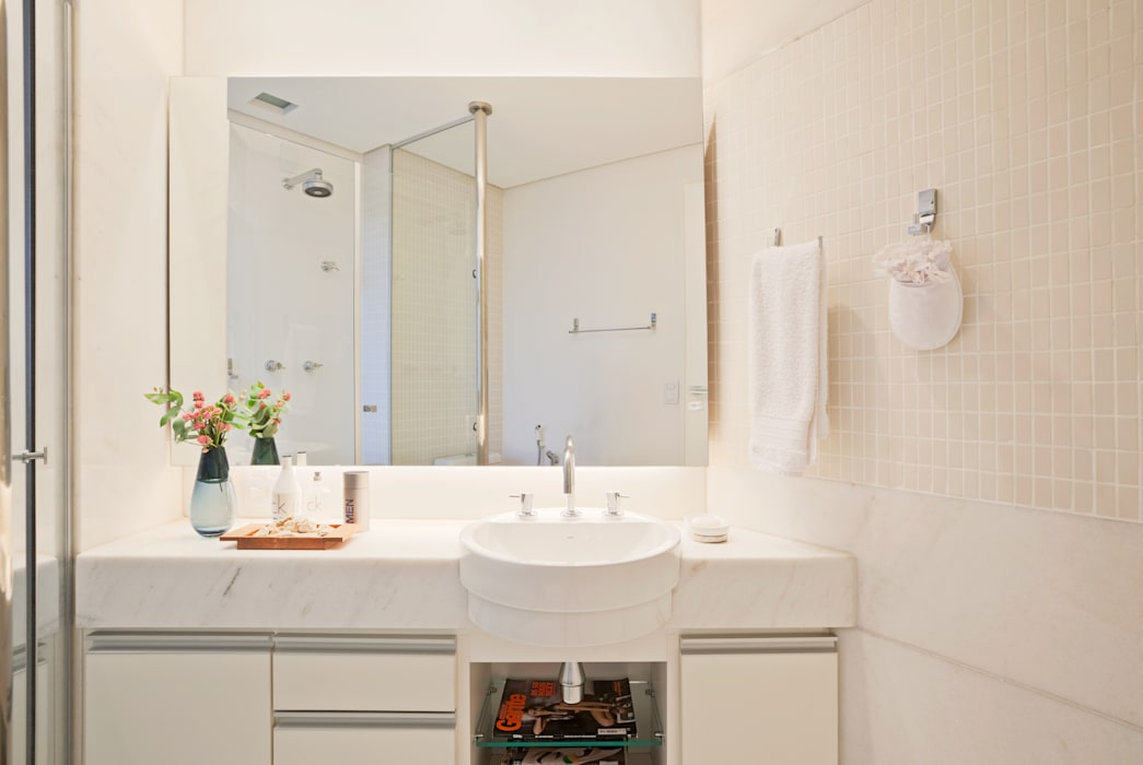 Modern bathroom by Dubal Arquitetura e Design Modern