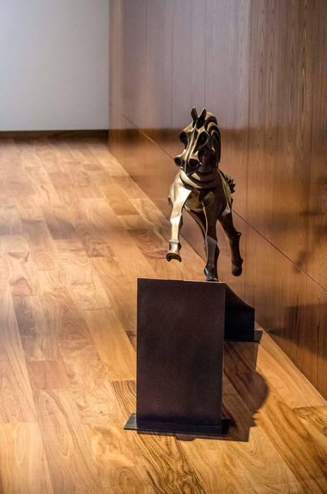 Escultura de Estudio Negro Clásico
