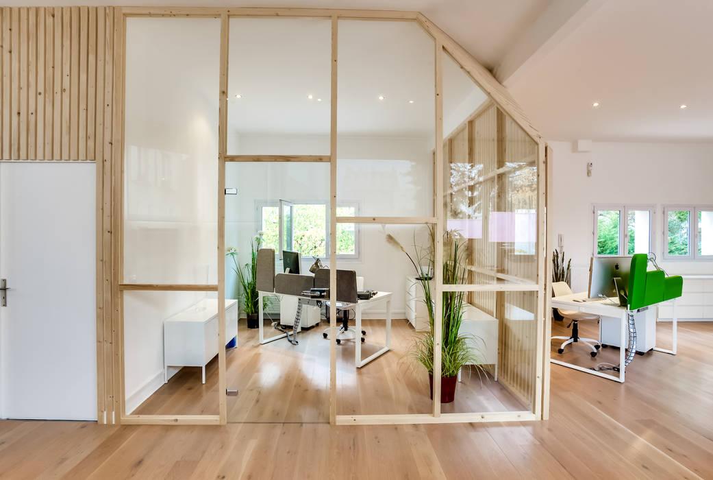 Salle comptabilité, PROJET VINCENNES, Agence Transition Interior Design: Bureaux de style  par Transition Interior Design