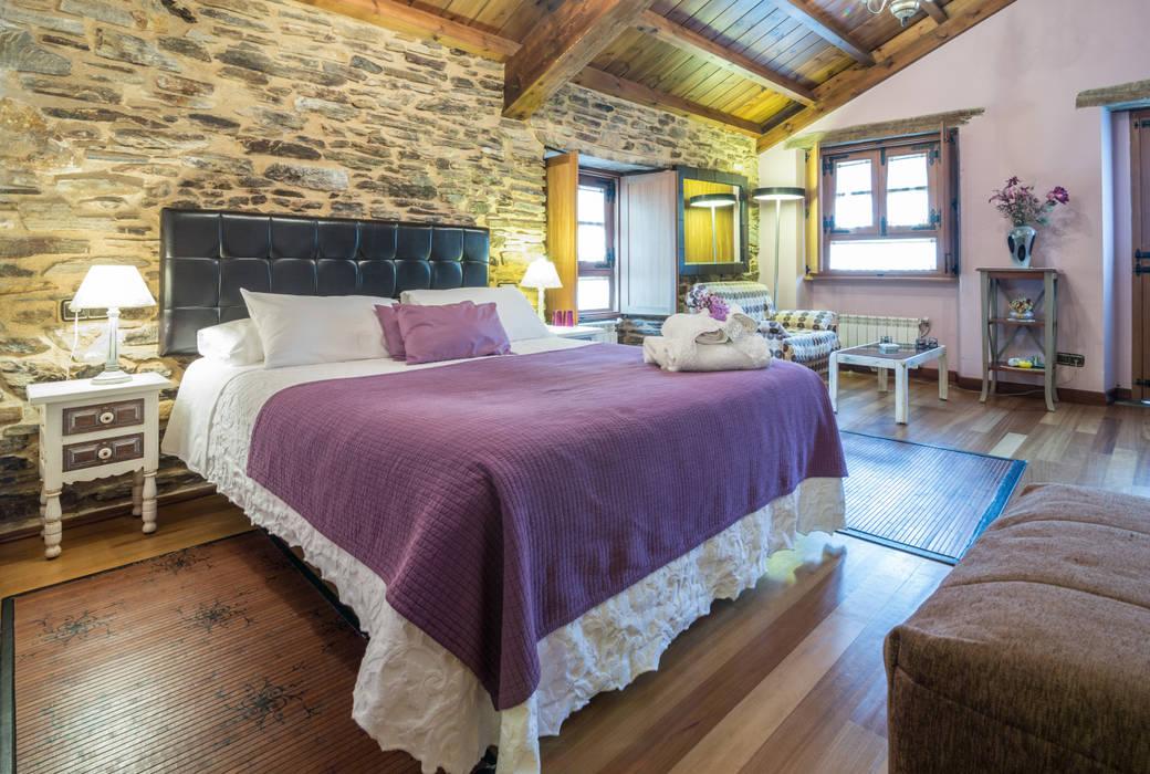 Espacios en Galicia. Casa do Morcego Dormitorios de estilo rural de Decoraciones Gladys Rural