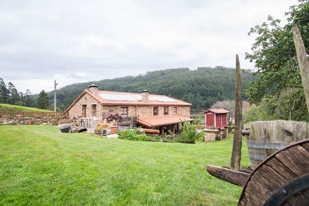 Espacios en Galicia. Casa do Morcego Casas de estilo rural de Decoraciones Gladys Rural