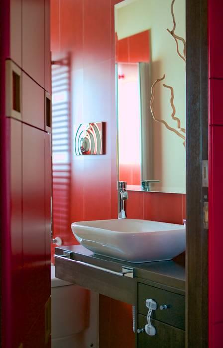 Il bagno principale: Bagno in stile in stile Moderno di Giuliana Andretta Architetto