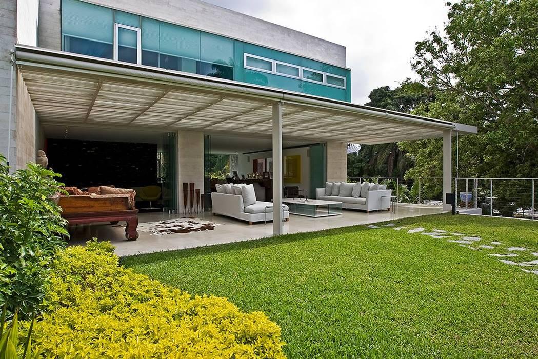 oda - oficina de arquitectura Balkon, Beranda & Teras Modern