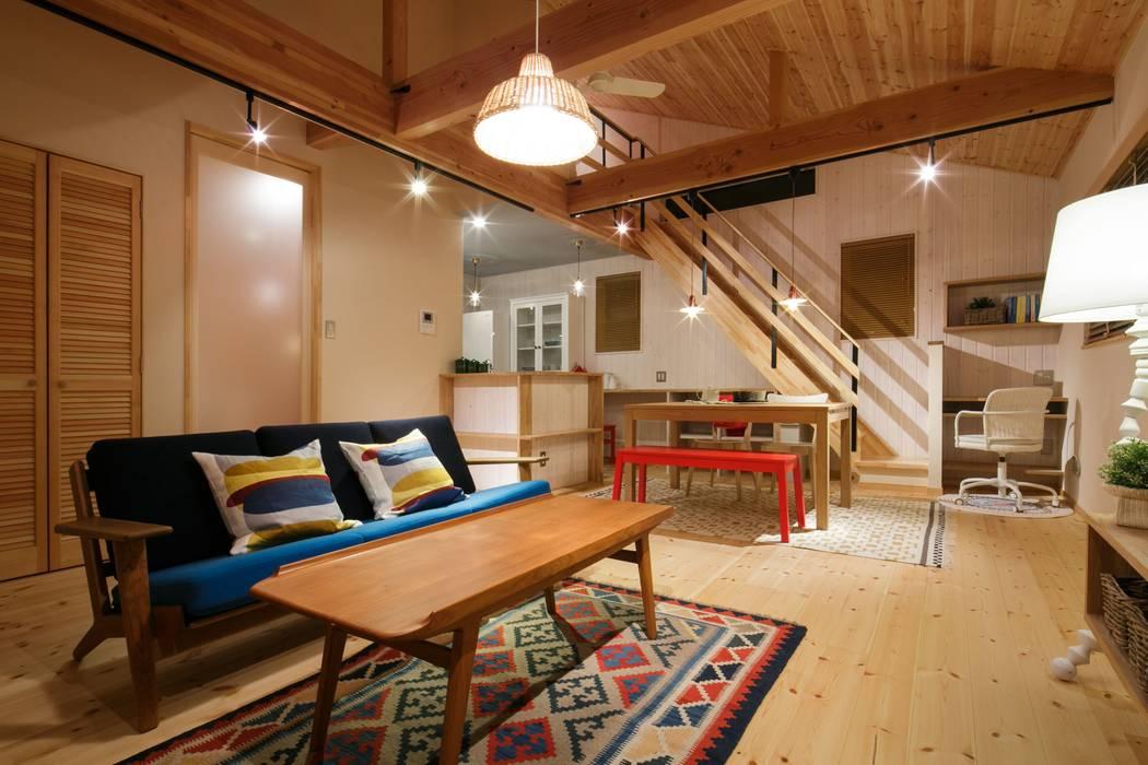 H's HOUSE 北欧デザインの リビング の dwarf 北欧